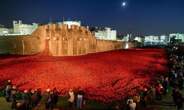 ( Towe of London display © Nick Harvey/Rex Features )