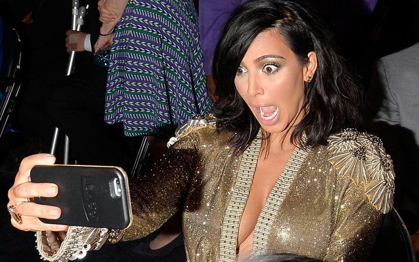 New-Short-Hairstyle-Kim-Kardashian-at-Grammy-Awards-2015-Photo