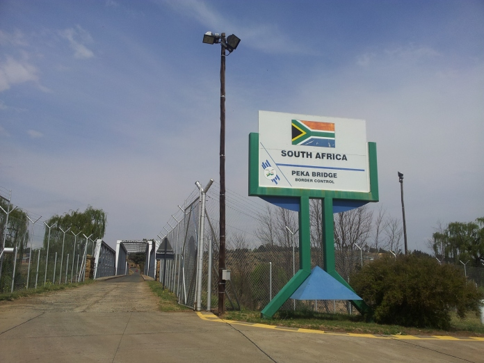 PekaBridge_BorderPost_SouthAfrica