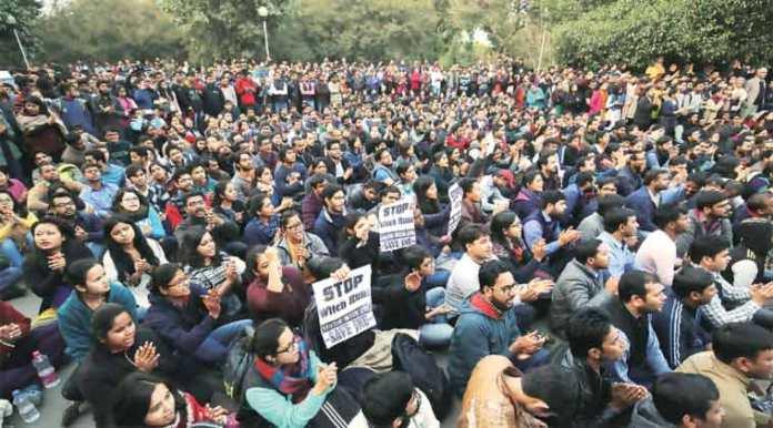 ( JNU student protest © Praveen Khanna )