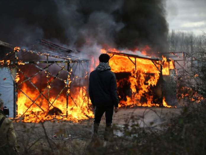 calais-jungle-migrant-camp