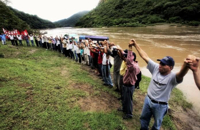 Honduras-Agua-Zarca-dam-protest-Edgardo-Garrido-1024x666