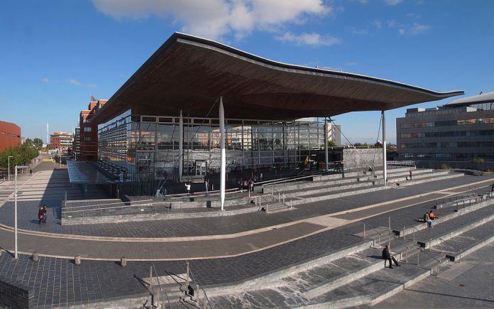 1024px-Senedd,_Welsh_parliament,_Cardiff_Bay.jpg