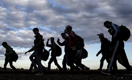 a-look-at-europes-population-helps-explain-why-britain-and-germany-are-divided-over-the-refugee-crisis