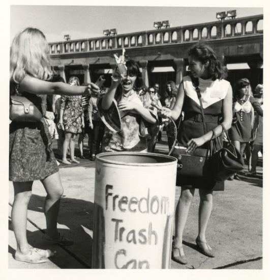 freedom-trash-can