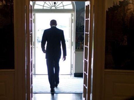 obama-walking-away