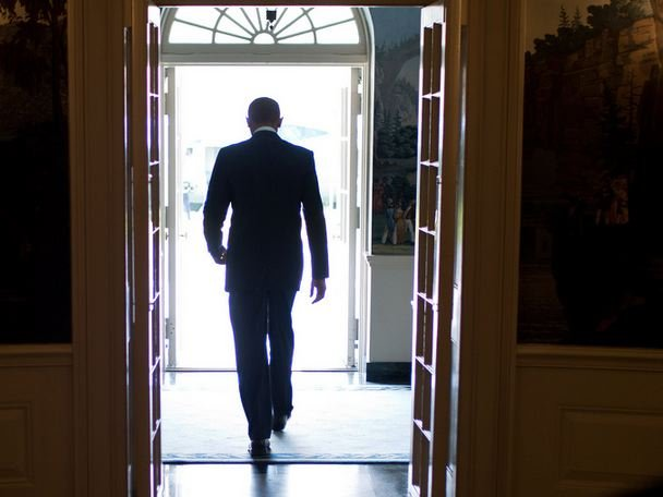 obama-walking-away