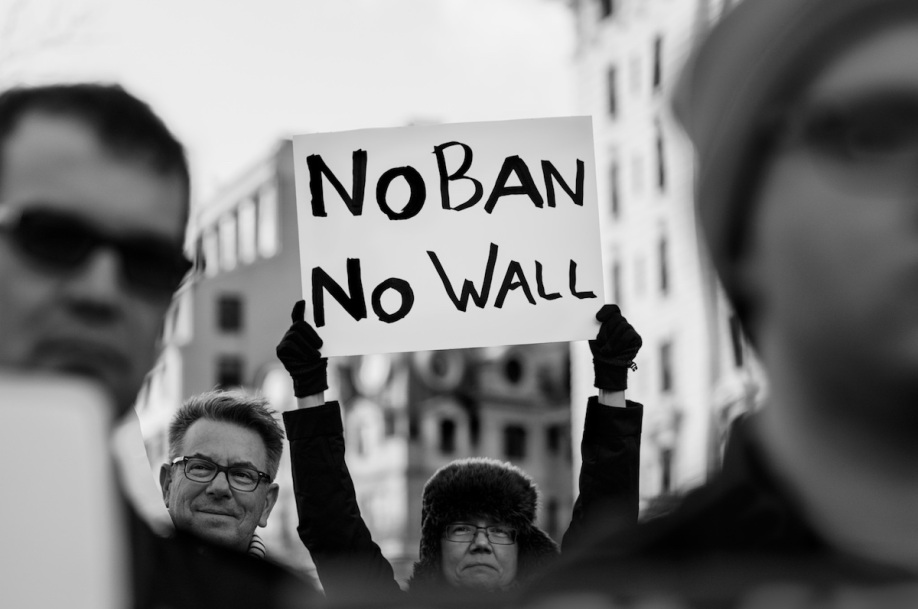 no-ban-no-wall-photo